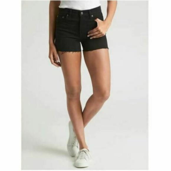 "GAP Pants - GAP -  NWOT 3"" High-Rise Cut-Off Shorts"